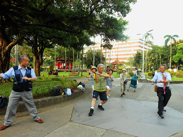台湾歴史と文化の旅2014�